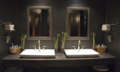 Interiors07 Houston Restaurant Bathroom